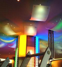 Space-Bar, Lichtdetail
