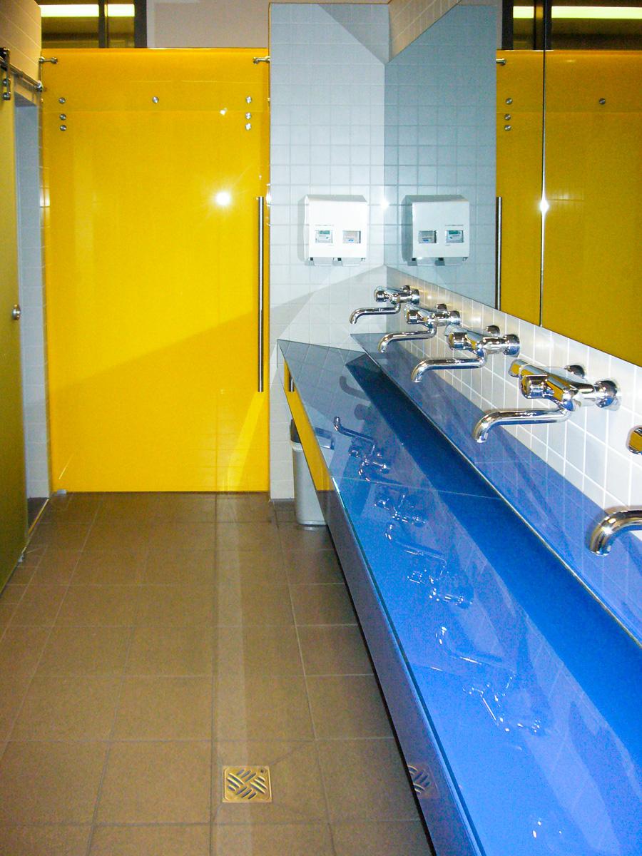 Personalräume Waschtische aus Glas